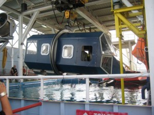 The helicopter underwater escape training simulator
